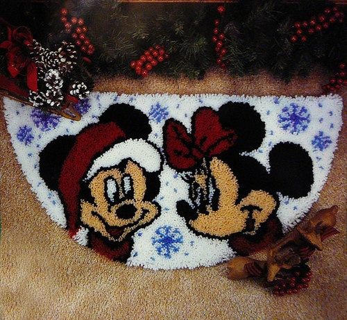 Caron Mickey Mouse Minnie Mouse 17 x 33 Christmas Latch Hook Rug Kit SEALED | eBay