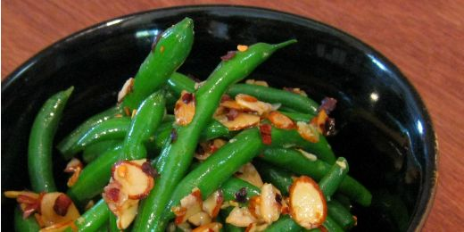 Chili and almond green beans
