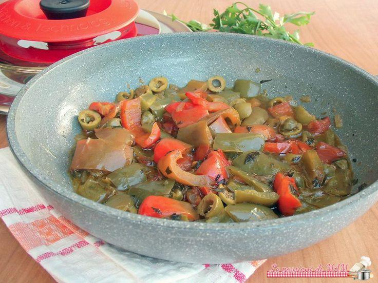 Peperonata con magic cooker il coperchio magico, ricetta di contorno di verdure, leggera, con poco olio e senza soffritto. Blog giallo zafferano.