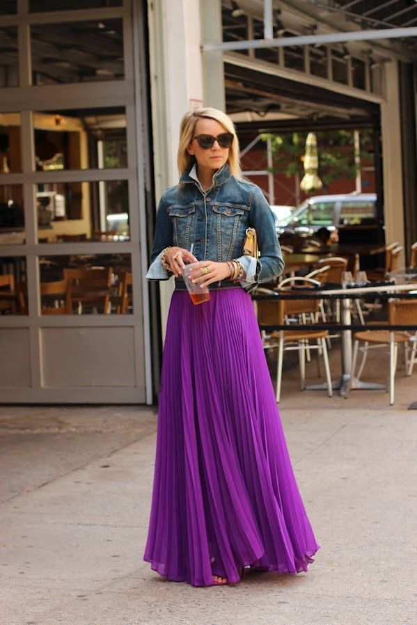 Purple pleated maxi skirt. Pair with denim jacket. Fashion and style tips @modellastyle
