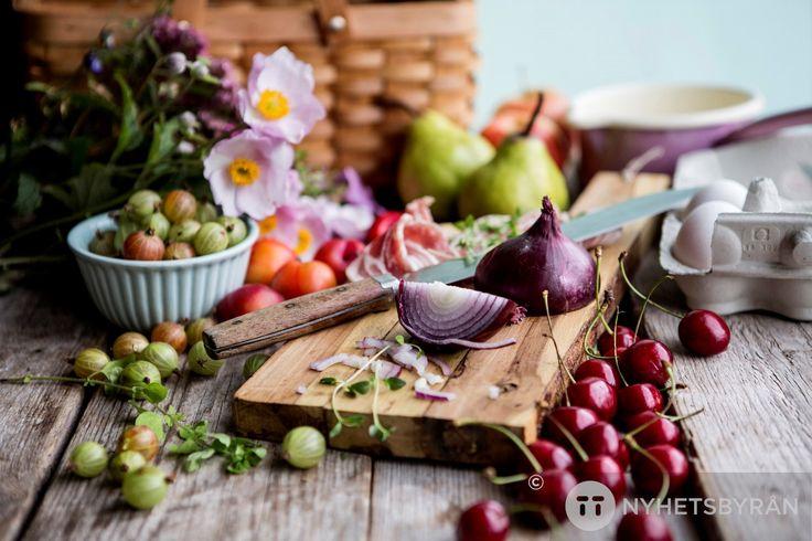 """Grönsaker är inte så nyttiga som de en gång var. Om det handlar bland annat den prisade programserien """"Matens pris"""", som nu är tillbaka.Livsmedelsproduktionen ..."""