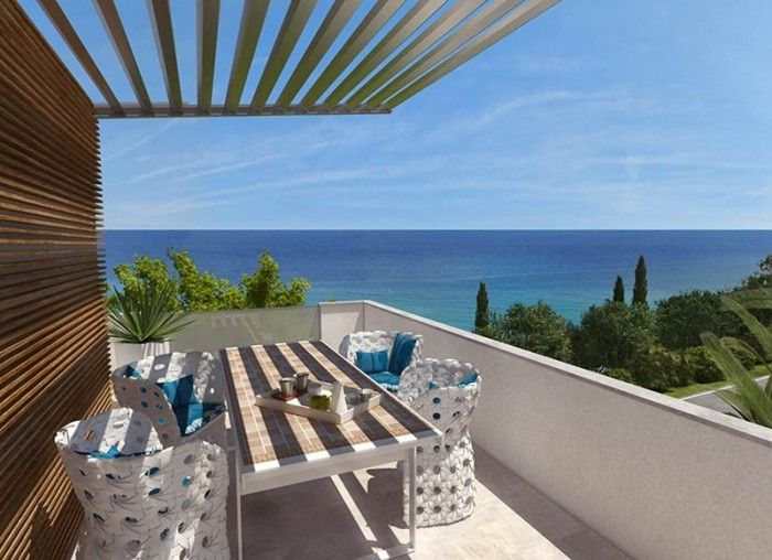 Luxurious apartments near the sea