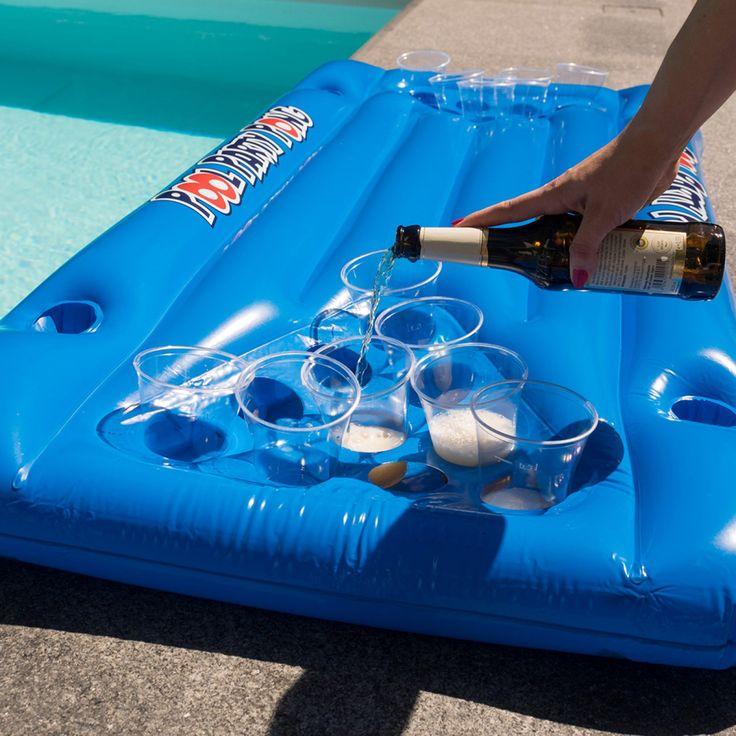 Matelas gonflable Bière-Pong - Tous les meilleurs gadgets pour organiser une soirée piscine / pool party ! Les meilleures bouées pour la piscine ! #poolparty #piscine # bouées