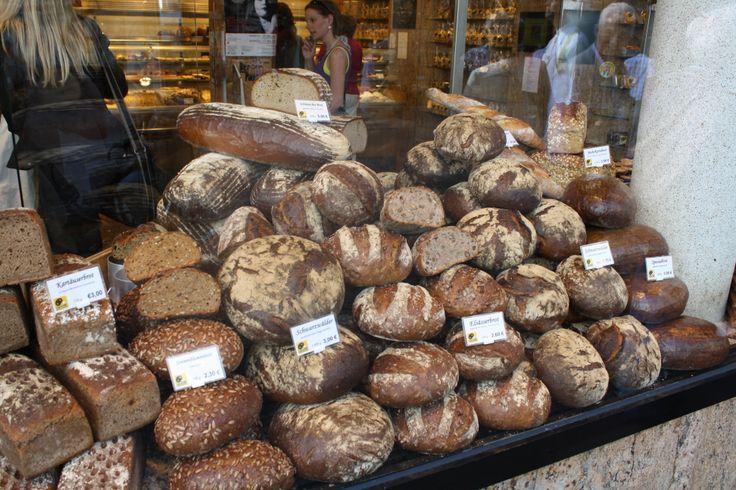 Schaufenster Bäckerei HINKEL