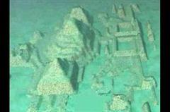 バミューダトライアングルの海底に水中都市の跡が発見される△