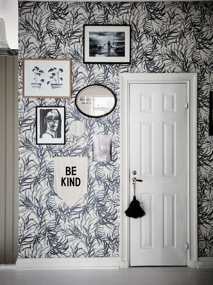 decorating inspiration for my tiny house: one pop wall with bold wallpaper