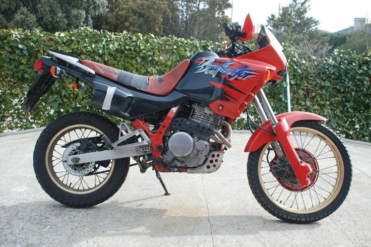 this is the original bike i converted to a scrambler