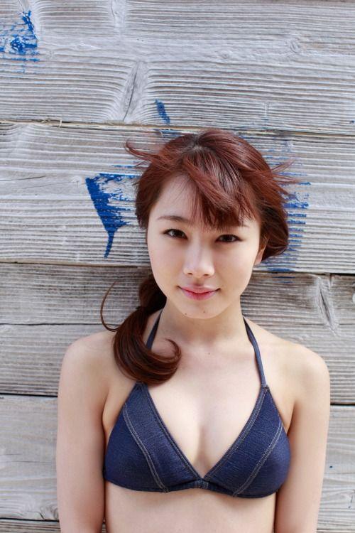 バストトップの石田亜佑美