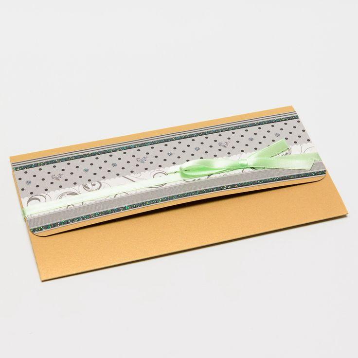 12. Dárkový obal nejen na peníze - 10x19 CHIYOGAMI Chcete svým blízkým darovat peníze, darovací poukaz, vstupenku na koncert....... prostě cokoliv, co lze vložit do obálky a obálka Vám přitom připádá fádní a nezajímavá? Pak doporučujeme využít naše dárkové pouzdro Pouzdro je vyrobeno z tvrdého kartonu s metalickým efektem a následně dozdobeno scrapbookovým papírem. ...