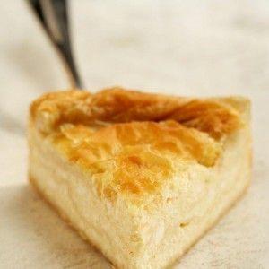 Μπεσαμελοτυρόπιτα - Bechamel cheese pie