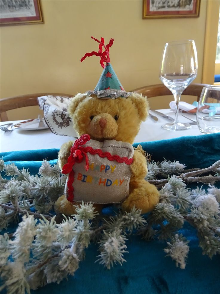 Teddy Table set HAPPY BIRTHDAY 90 Years