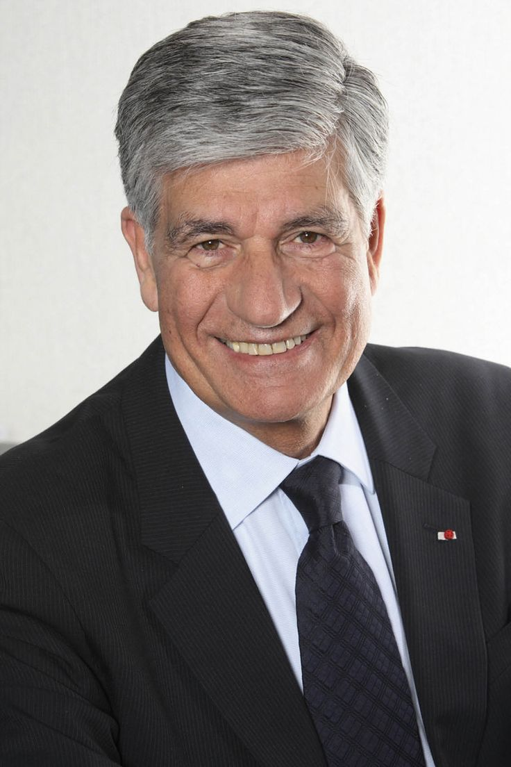 "Read more: https://www.luerzersarchive.com/en/magazine/interview/maurice-levy-134.html Maurice Lévy People in the advertising business who have not seen ""Avatar"" should resign immediately.Maurice Lévy is the chief executive of Publicis, the world's fourth-biggest global advertising holding. Born in 1942 in the Moroccan town of Oujda, Lévy joined Publicis in Paris in 1971. In 1972, a fire broke out in the office and he risked life and limb to rush back in to save the Publicis computer…"