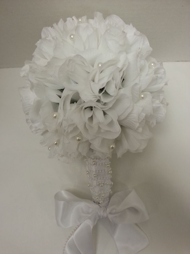 Let Dylan's create the perfect bouquet for your special day