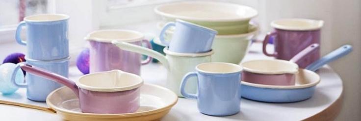 red mug - kuchenne