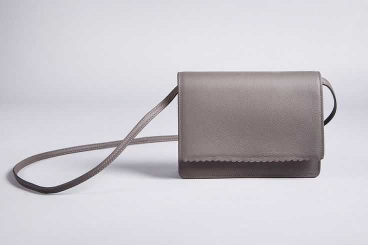 Going out RIEN Simple #Clutch will give elegance to your style.