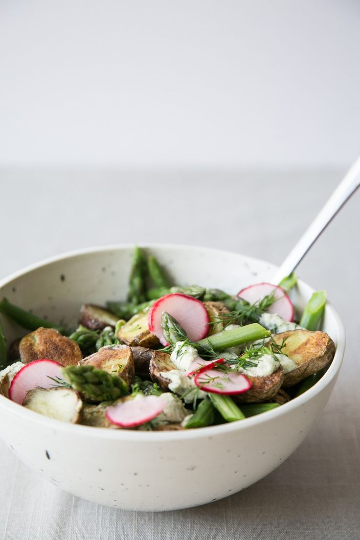 potato asparagus salad with pickled radishes + creamy dill sauce (v/gf/nf)