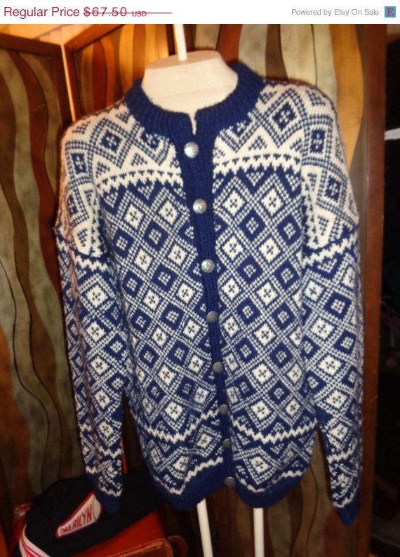Vintage classic Knit wool Norwegian ski sweater Mint pewter buttons Large Blue & White