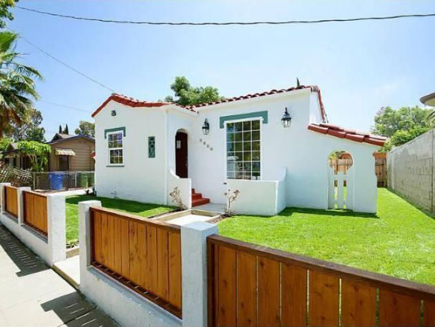 Small spanish style homes top spanish house with small for Spanish bungalow exterior paint colors