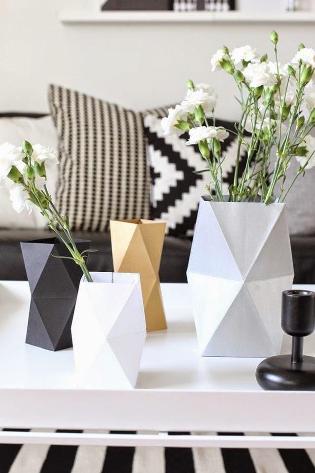 HAZLO TÚ: Jarrones con formas geométricas http://decoracion.facilisimo.com/blogs/general/hazlo-tu-jarrones-con-formas-geometricas_1202929.html?aco=14qf&fba