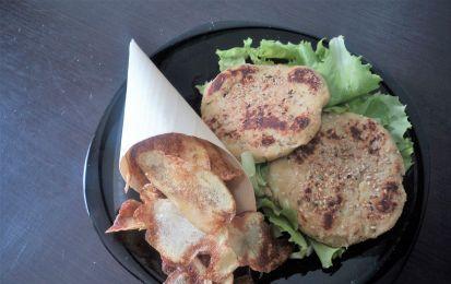 Hamburger di ceci - Quella degli hamburger di ceci è una ricetta salutare e vegetariana: alla carne sostituiamo i ceci bolliti ed insaporiamo con spezie e cipollotto.