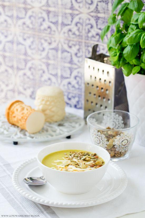 Zupa krem z pora z oscypkiem.