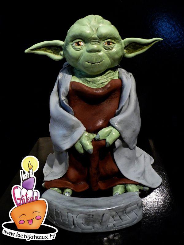 Chose promise, chose dûe ! Vous m'avez soutenu pour le concours Cake Boss sur Vivolta, voici comment a été réalisé le gâteau Yoda en 3D! Plus d'infos .... www.laetigateaux.fr