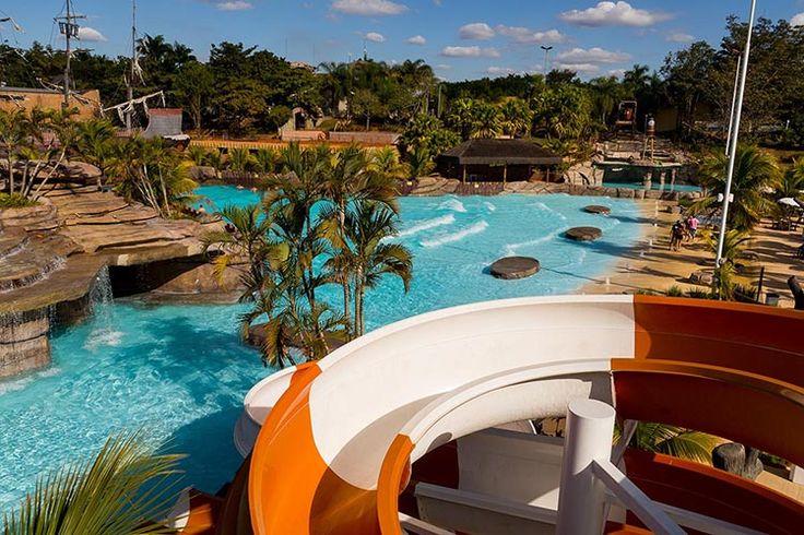 As piscinas de águas termais do Thermas Water Park tem a temperatura exata para a época, sendo uma das melhores opções de lazer para as férias de julho.
