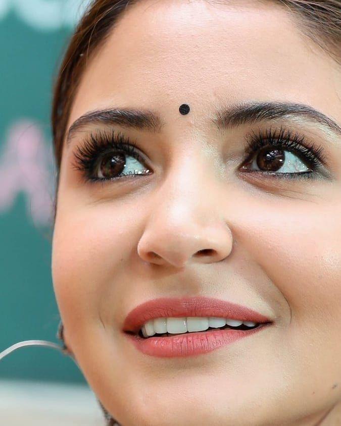 Eishan Khan Adli Kullanicinin Bollywood Actress Panosundaki Pin