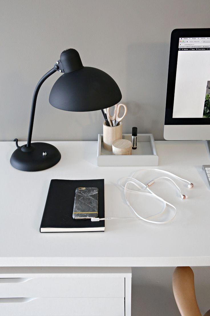 Warm grey in my office - Stylizimo