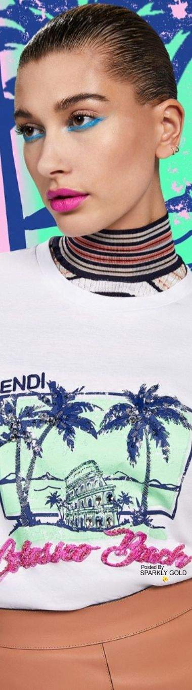 Hailey Baldwin/Model Fendi's Tropical Tees