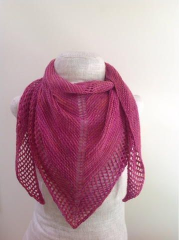 Blush Summer Shawl Pattern | This knit shawl pattern makes the perfect breezy summer accessory.