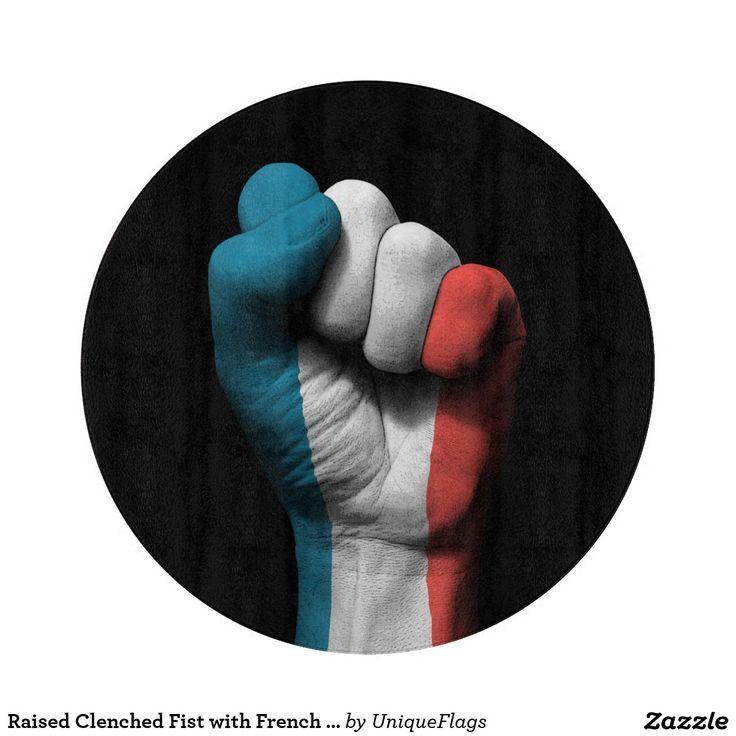 Poing serré augmenté avec le drapeau français planches à découper