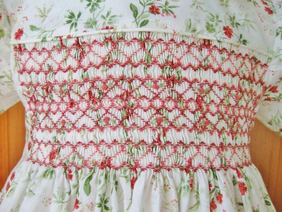 Toddler smocked Christmas dress size 4T Rosy red flowers