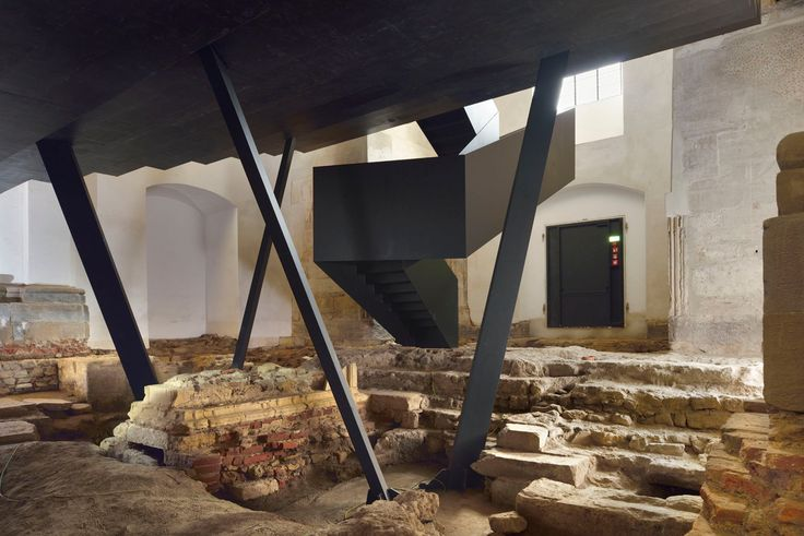 Conversion of a monastery to the congress and cultural center in Ptuj - stairs - Culture / Education - baunetzwissen.de