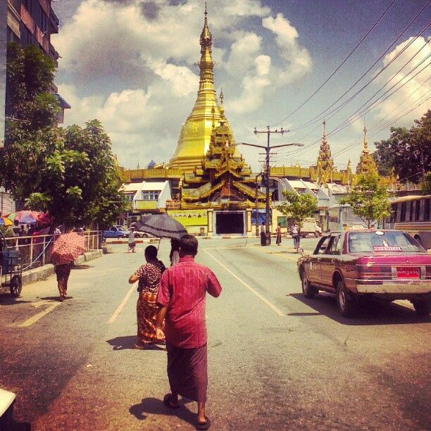 Sule Pagoda west entrance view #sulepaya #Yangon #Myanmar #pagodas