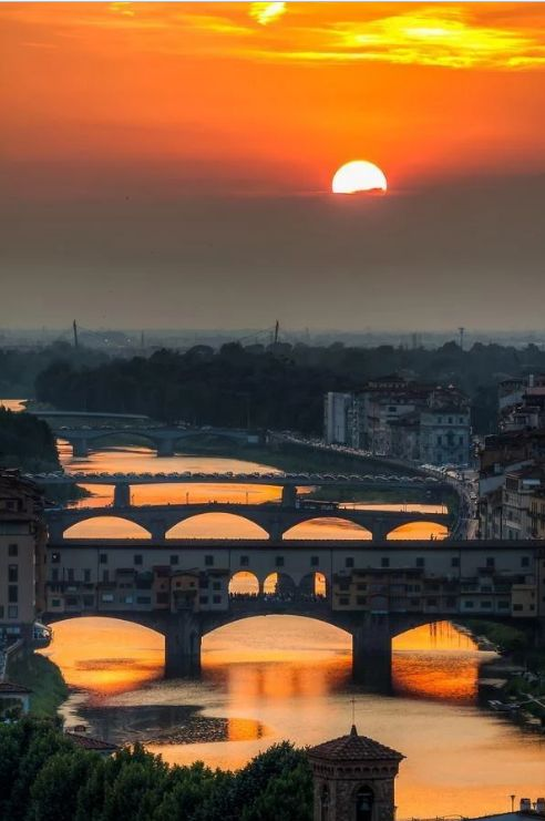 Beautiful sunset in Arno Florence, Italy