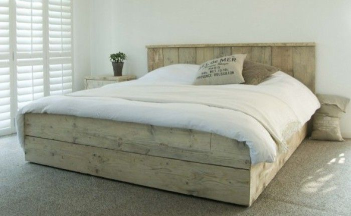 25 beste idee n over houten pallet bedden op pinterest houten pallet projecten palletbedden - Ontwerp bed hoofden ...