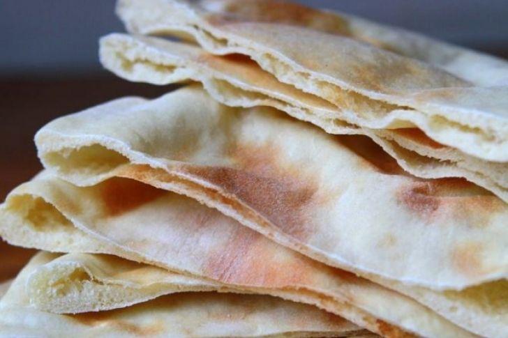¿Cómo hornear pan pita?,.- http://informe21.com/gastronomia/como-hornear-pan-pita