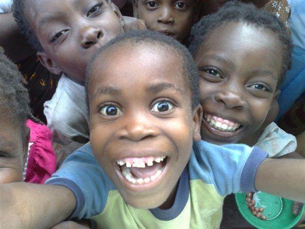 2008 Outside Edge expedition - Kids at Ihla da Mocambique