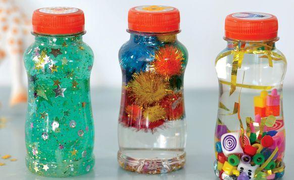 Apaisez bébé avec une bouteille sensorielle !