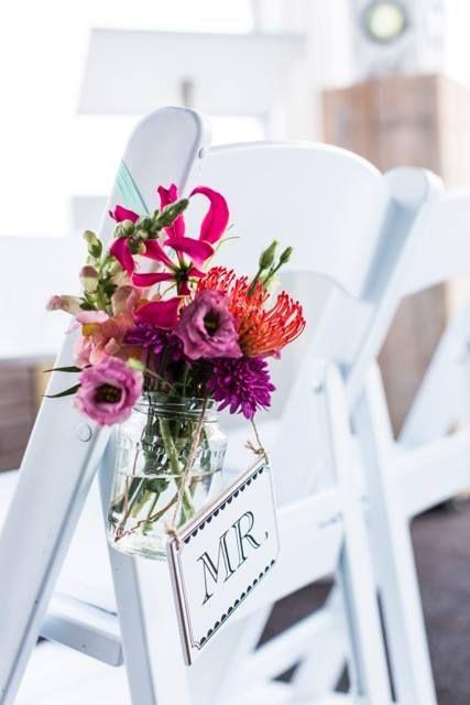 Ceremonie - Weddingchair - Groom - bloemdecoratie - Bruiloft By Moed events
