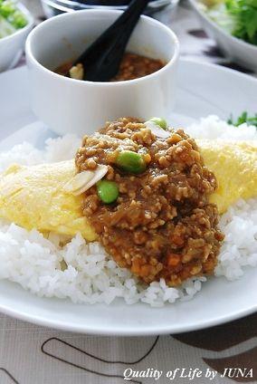 簡単レシピ♪20分で出来るカレーでオムカレー☆ JUNAさん