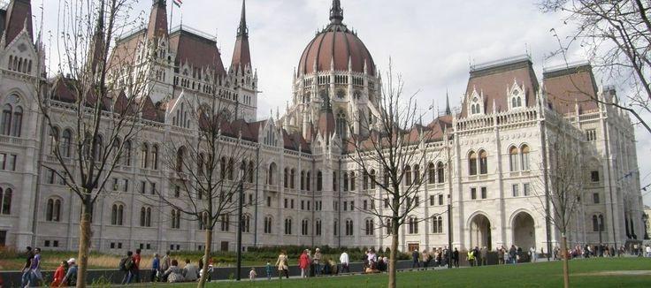 BudapestVoyage – Le spécialiste de Budapest, agence de voyage en ligne et portail touristique