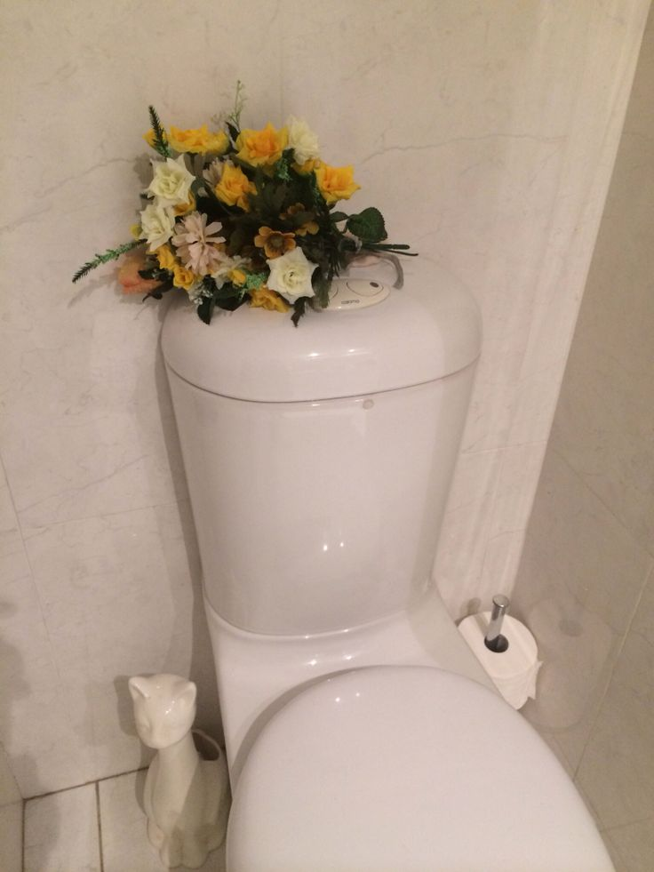 Colour - yellow and green in the Bathroom