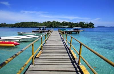 Visit Sumatra Island with #Aceh travel agency and discover 5 Days 4 Nights Banda Aceh Sabang Tour Package with reasonable price. Our online Indonesia travel specialists will help you to build your own personal itinerary for your Sumatra holiday needs. Discover the wonders of Indonesia archipelago, volcanoes, temples and tropical beaches, unique culture, spectacular scenery and world class diving sites in #SumatraIsland