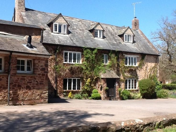 8 Bedroom Home in Dunster to rent from £1790 pw. With balcony/terrace, Fireplace, TV and DVD.