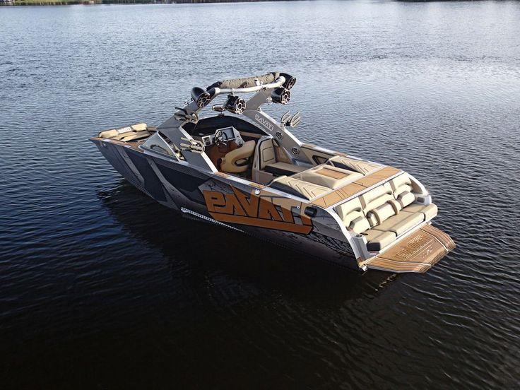 Pavati's all-aluminum wakeboard boat, the AL-24