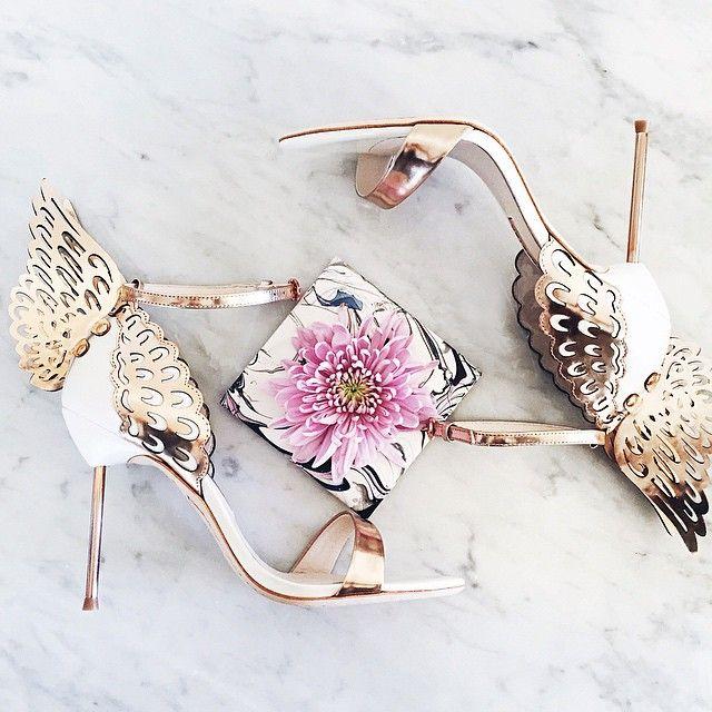 I finally got myself a pair of heels that'll let me fly. www.liketk.it/Ysik…