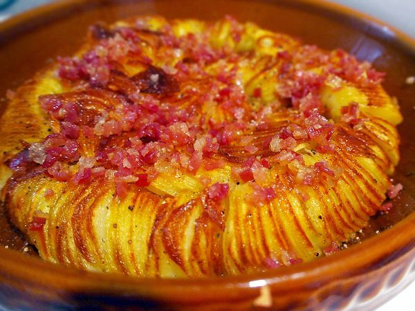 フライパンひとつで、ハッセルバック風ポテト by 加瀬 まなみ / レシピサイト「Nadia | ナディア」プロの料理を無料で検索