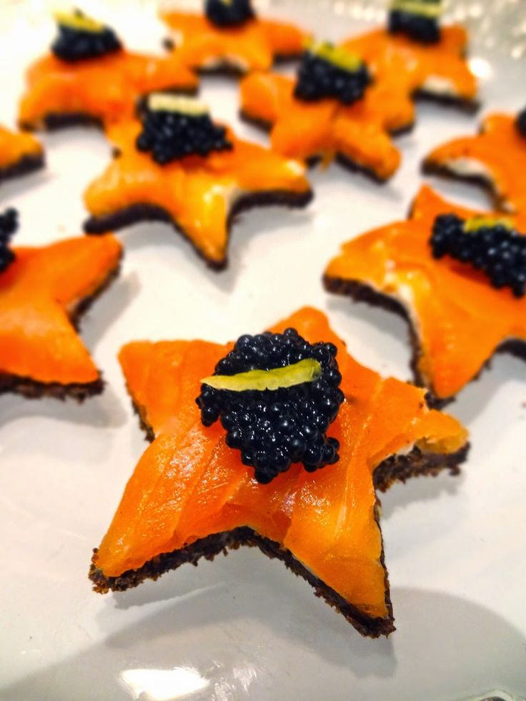 Scrumpdillyicious: Smoked Salmon & Caviar Star-Shaped Canapés